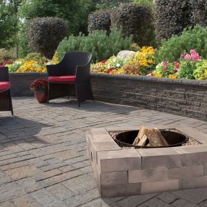 Patio area featuring Shaw Brick's Amesbury Fire Pit Kit
