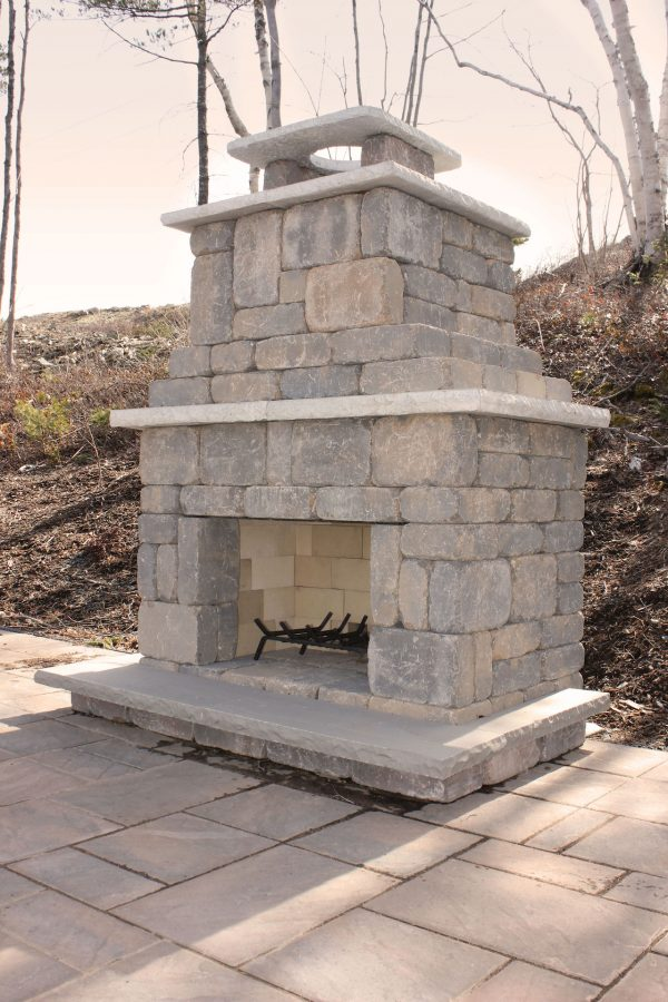 Backyard patio featuring the Brooklyn Outdoor Fire Place from Shaw Brick